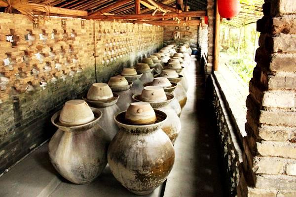 伝統的な製法で作る四川の漬物